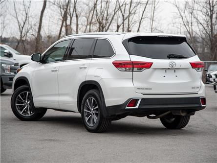 2017 Toyota Highlander XLE (Stk: 802790) in St. Catharines - Image 2 of 25
