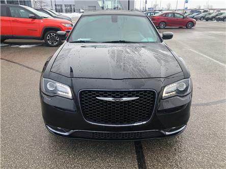 2018 Chrysler 300 S (Stk: 18-71065RJB) in Barrie - Image 2 of 28