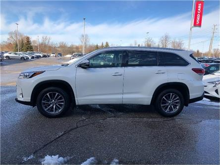 2017 Toyota Highlander XLE (Stk: U3115) in Vaughan - Image 2 of 24