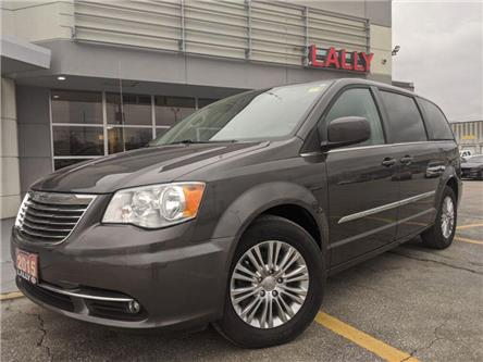 2015 Chrysler Town & Country Touring-L (Stk: K3911) in Chatham - Image 1 of 21