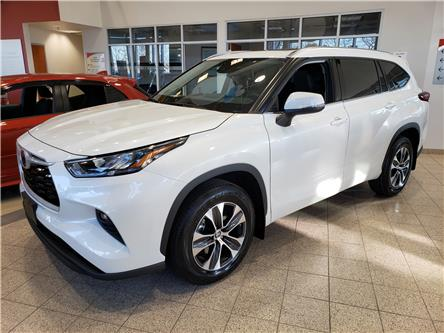 2020 Toyota Highlander XLE (Stk: 20-481) in Etobicoke - Image 1 of 18