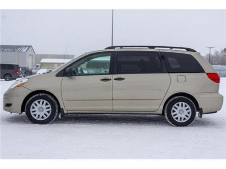 2010 Toyota Sienna CE (Stk: V1148) in Prince Albert - Image 2 of 11