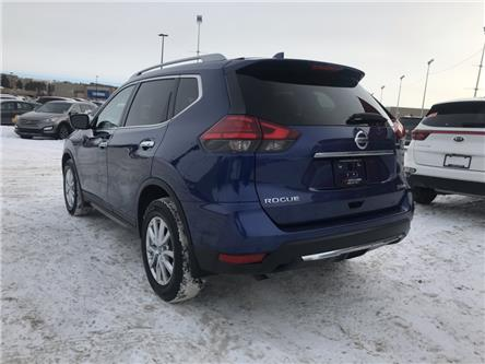 2017 Nissan Rogue SV (Stk: P0477) in Calgary - Image 2 of 7