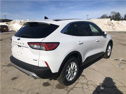 2020 Ford Escape SE (Stk: ES20074) in Barrie - Image 2 of 18