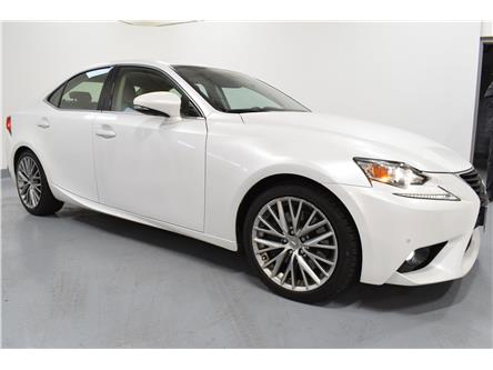 2016 Lexus IS 300 Base (Stk: 013169P) in Brampton - Image 2 of 24