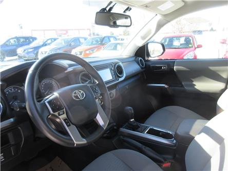 2017 Toyota Tacoma SR5 (Stk: 10168) in Okotoks - Image 2 of 26