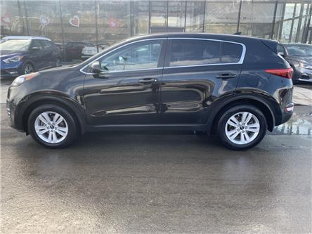 2017 Kia Sportage LX (Stk: T20089A) in Kamloops - Image 2 of 24
