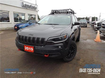 2019 Jeep Cherokee Trailhawk (Stk: 19374A) in Pembroke - Image 1 of 28
