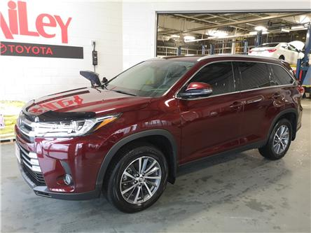 2019 Toyota Highlander XLE (Stk: 41844) in Sarnia - Image 1 of 19