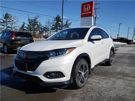 2019 Honda HR-V Sport (Stk: 19813) in Kingston - Image 1 of 19