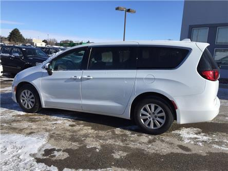 2017 Chrysler Pacifica LX (Stk: 24656T) in Newmarket - Image 2 of 20