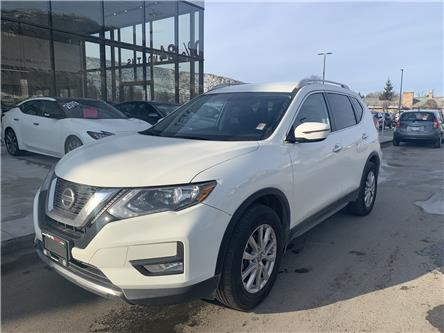 2018 Nissan Rogue SV (Stk: UT1396) in Kamloops - Image 1 of 26