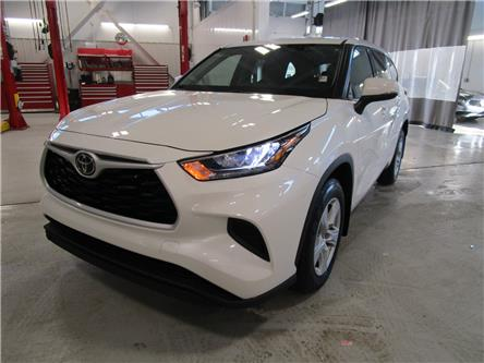 2020 Toyota Highlander LE (Stk: 209102) in Moose Jaw - Image 1 of 29