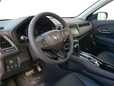 2019 Honda HR-V Touring (Stk: 19814) in Kingston - Image 2 of 20