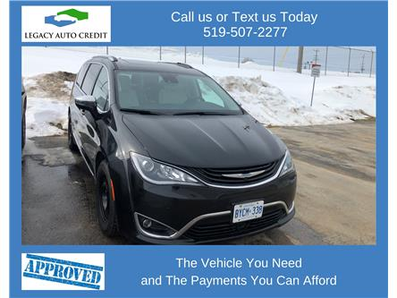 2018 Chrysler Pacifica Hybrid Limited (Stk: L9186) in Waterloo - Image 1 of 6