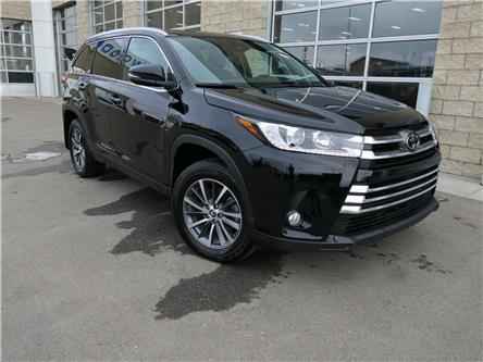 2019 Toyota Highlander XLE (Stk: L-426A) in Calgary - Image 1 of 23