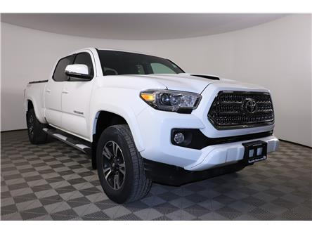 2016 Toyota Tacoma SR5 (Stk: E1070A) in London - Image 1 of 26