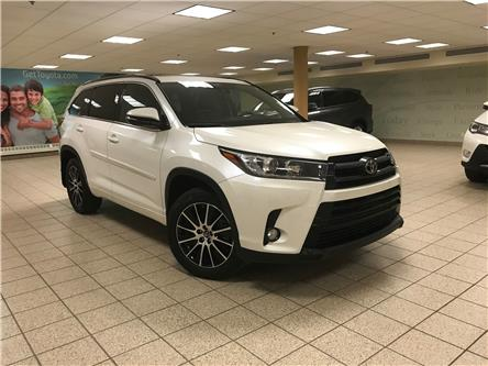2017 Toyota Highlander XLE (Stk: 200662A) in Calgary - Image 1 of 22
