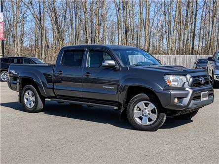 2013 Toyota Tacoma V6 (Stk: 3668A) in Welland - Image 1 of 17