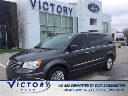 2016 Chrysler Town & Country Premium (Stk: V19394A) in Chatham - Image 1 of 12