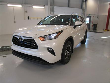 2020 Toyota Highlander XLE (Stk: 209129) in Moose Jaw - Image 1 of 34