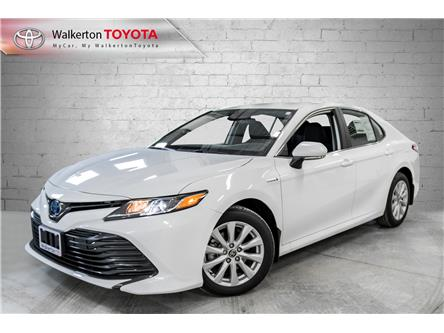 2020 Toyota Camry Hybrid LE (Stk: 20290) in Walkerton - Image 1 of 10