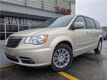 2015 Chrysler Town & Country Touring-L (Stk: KTEL2095A) in Chatham - Image 1 of 16