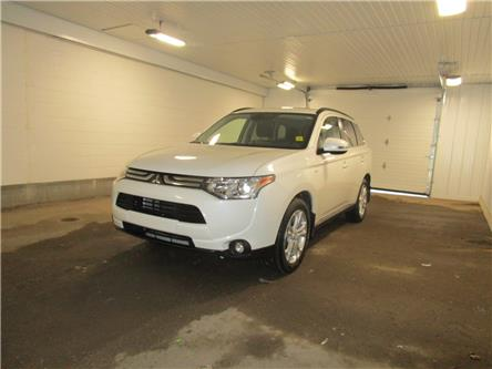 2014 Mitsubishi Outlander GT (Stk: 1933831) in Regina - Image 1 of 29