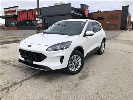 2020 Ford Escape SE (Stk: ES20346) in Barrie - Image 1 of 16