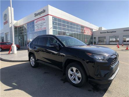 2019 Toyota RAV4 LE (Stk: 9073A) in Calgary - Image 1 of 13