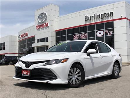 2019 Toyota Camry LE (Stk: U10895) in Burlington - Image 1 of 18