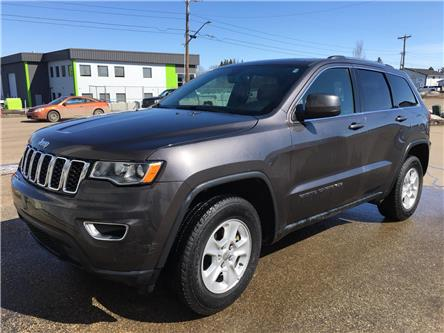 2017 Jeep Grand Cherokee Laredo (Stk: 19R19122A) in Devon - Image 1 of 11
