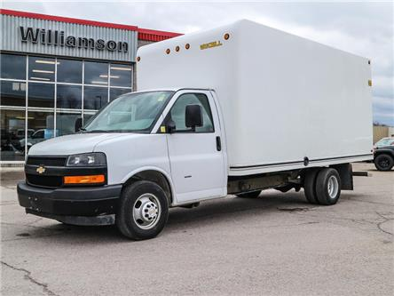 2018 Chevrolet Express Cutaway Work Van (Stk: W6114) in Uxbridge - Image 1 of 17