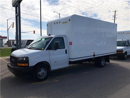 2019 GMC Savana Cutaway Work Van (Stk: 0B030A) in Blenheim - Image 1 of 7