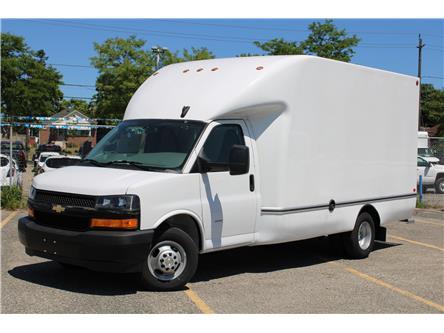 2019 Chevrolet Express Cutaway Work Van (Stk: 2910497) in Toronto - Image 1 of 19