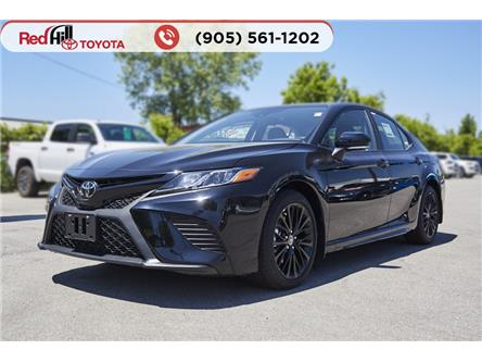 2020 Toyota Camry SE (Stk: 20564) in Hamilton - Image 1 of 17