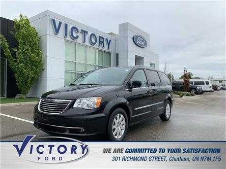 2016 Chrysler Town & Country Touring (Stk: V19094A) in Chatham - Image 1 of 27