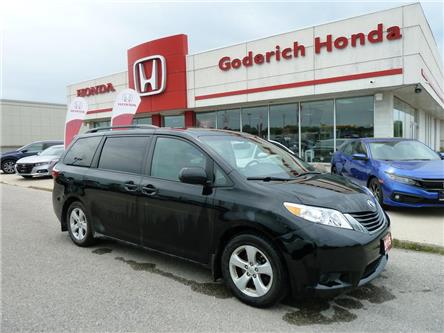 2015 Toyota Sienna LE 8 Passenger (Stk: U06820) in Goderich - Image 1 of 9