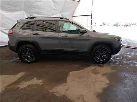 2020 Jeep Cherokee Sport (Stk: 201300) in Thunder Bay - Image 1 of 4