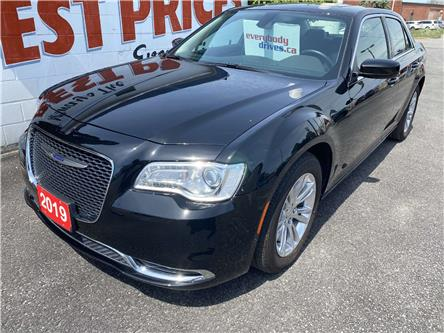 2019 Chrysler 300 Touring (Stk: 20-302) in Oshawa - Image 1 of 15