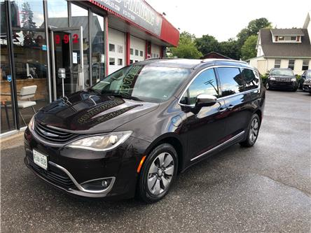2017 Chrysler Pacifica Hybrid Platinum (Stk: ) in Ottawa - Image 1 of 16
