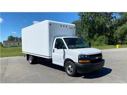 2020 Chevrolet Express Cutaway Work Van (Stk: 20-0421) in LaSalle - Image 1 of 23