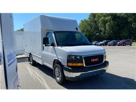 2020 GMC Savana Cutaway Work Van (Stk: 20-0326) in LaSalle - Image 1 of 26
