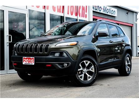 2016 Jeep Cherokee Trailhawk (Stk: 20586) in Chatham - Image 1 of 23