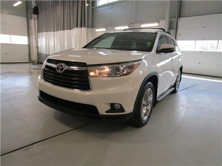 2015 Toyota Highlander Limited (Stk: 7922) in Moose Jaw - Image 1 of 42