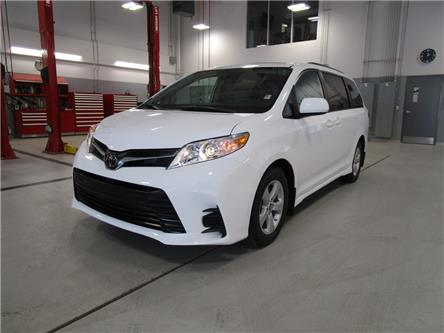 2020 Toyota Sienna LE 8-Passenger (Stk: 209183) in Moose Jaw - Image 1 of 40