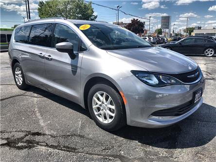 2017 Chrysler Pacifica LX (Stk: 45211) in Windsor - Image 1 of 11