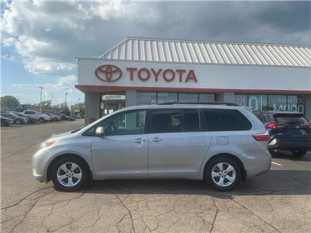 2016 Toyota Sienna  (Stk: 2007201) in Cambridge - Image 1 of 10