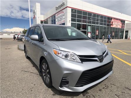 2020 Toyota Sienna LE 7-Passenger (Stk: 200807) in Calgary - Image 1 of 20
