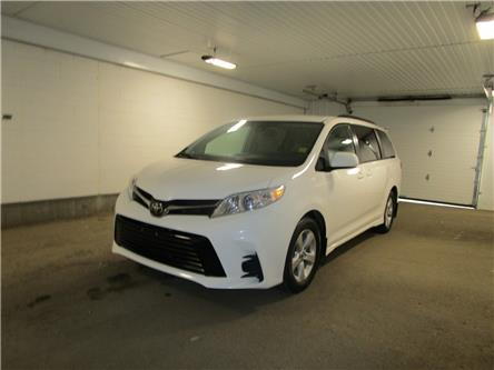 2020 Toyota Sienna LE 8-Passenger (Stk: f171545) in Regina - Image 1 of 36
